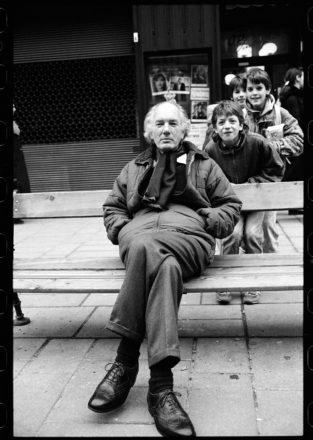 Thomas Bernhard ©Thomas Bernhard; Am Graben, Wien 1988 ©Sepp Dreissinger - copie